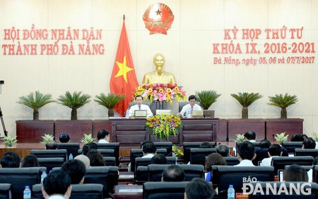 Khai mạc kỳ họp thứ 4 HĐND thành phố khóa IX: Đề ra các giải pháp vĩ mô phát triển Đà Nẵng
